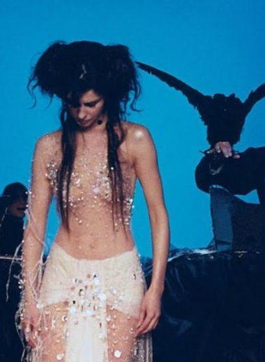 Emma Shapplin in concert: Η Γαλλίδα που κάνει την όπερα pop