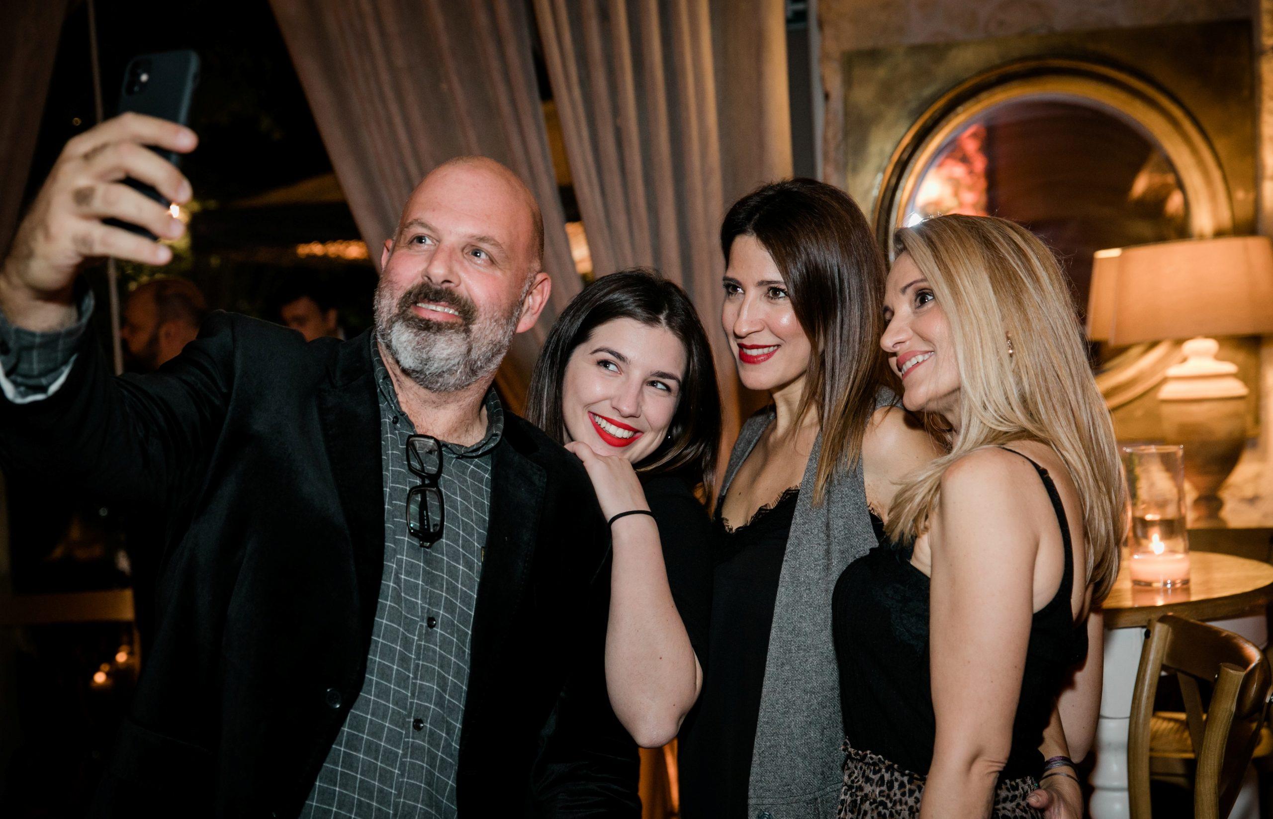 The beautiful people στο party από το Δειπνοσοφιστήριον