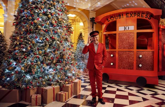 Ανέβα κι εσύ στο χριστουγεννιάτικο τρένο του Christian Louboutin