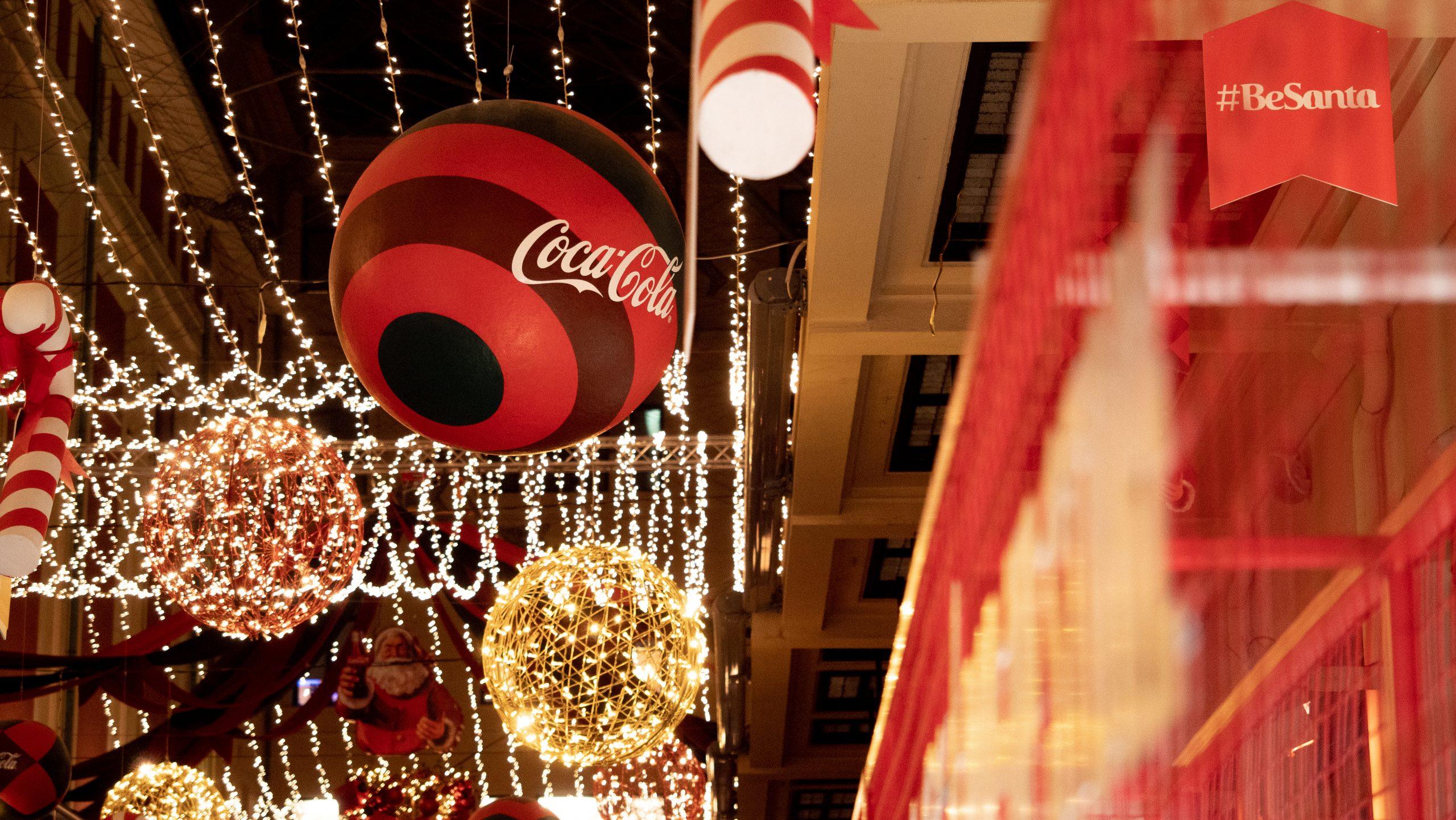 Η Coca-Cola έφερε τα Χριστούγεννα στην Αθήνα
