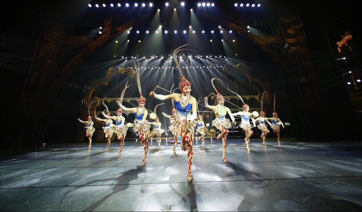 Το Εθνικό Θέατρο Ακροβατών της Κίνας έρχεται να μας μαγέψει στο Christmas Theater