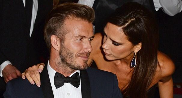 Victoria Beckham: Η μία και μοναδική φορά που ατημέλητη και αχτένιστη χαμογέλασε σε φωτογραφικό φακό