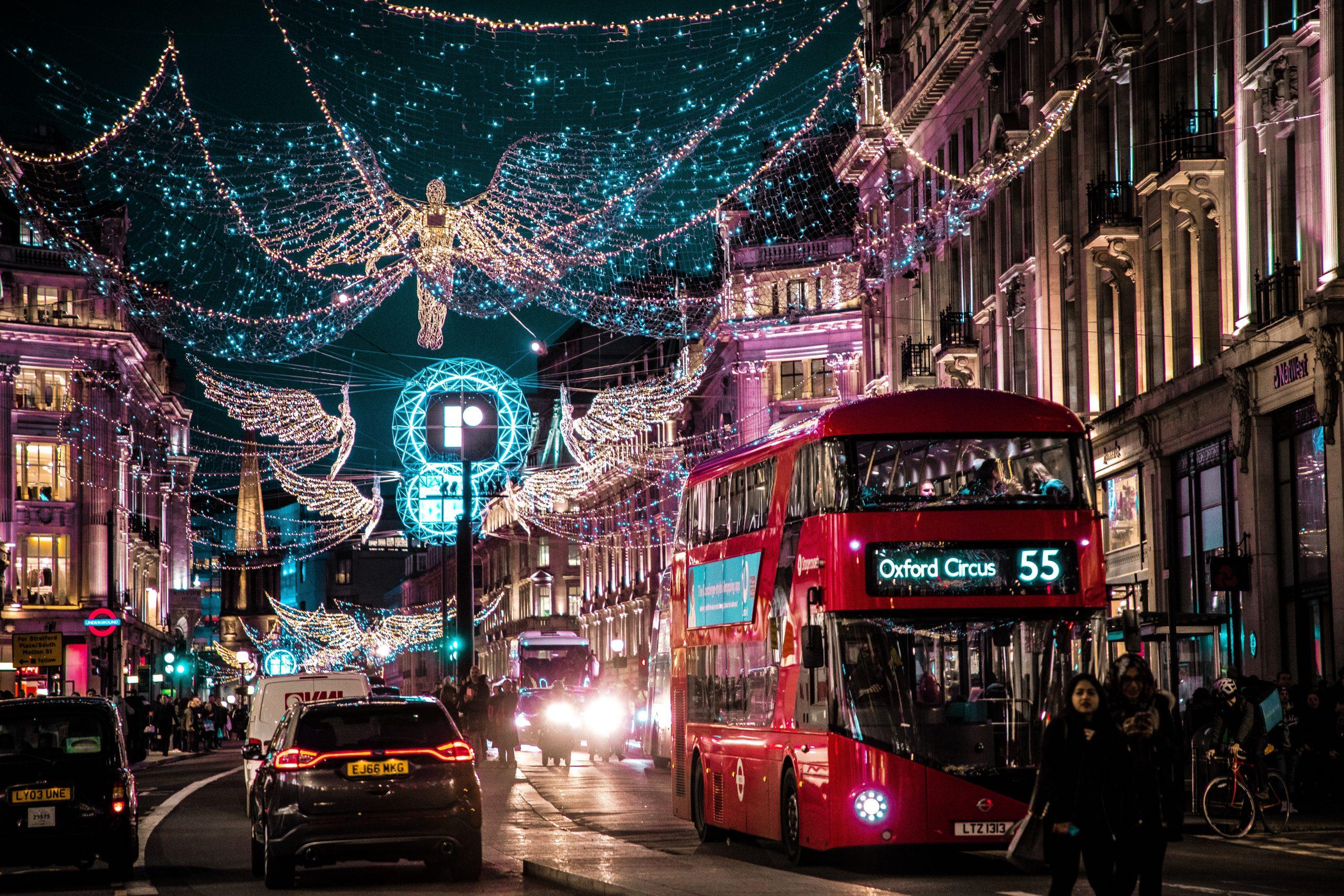 Χριστούγεννα στο Λονδίνο. Δεν είναι κλισέ, είναι must