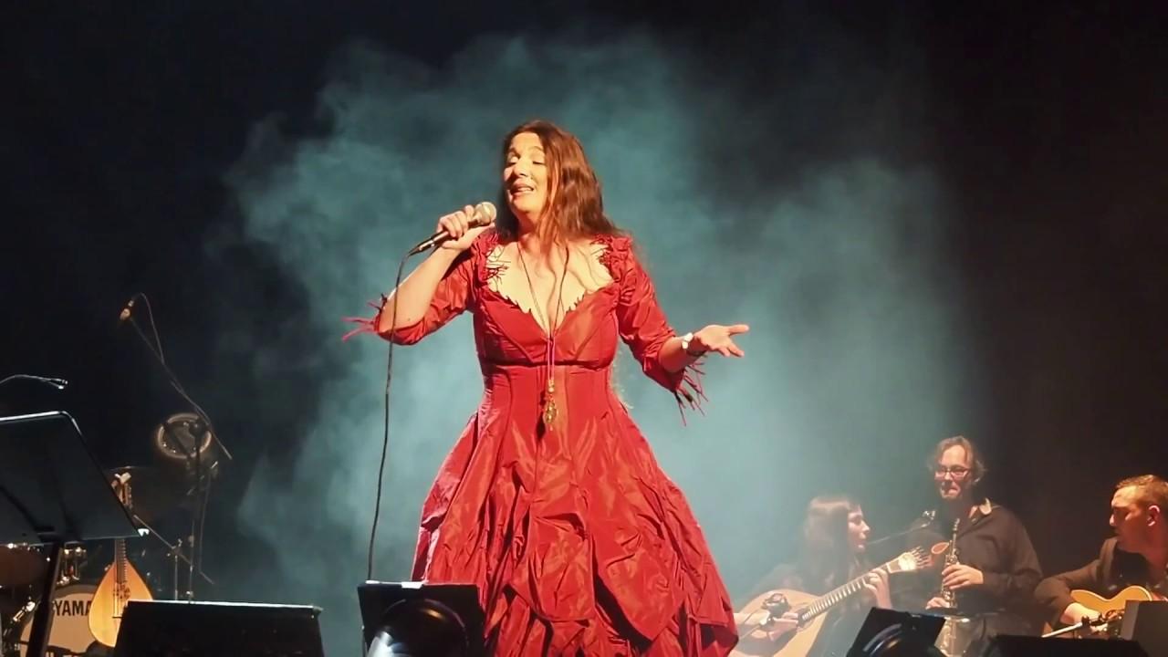 Η Dulce Pontes σε μία και μοναδική εμφάνιση στο Christmas Theater