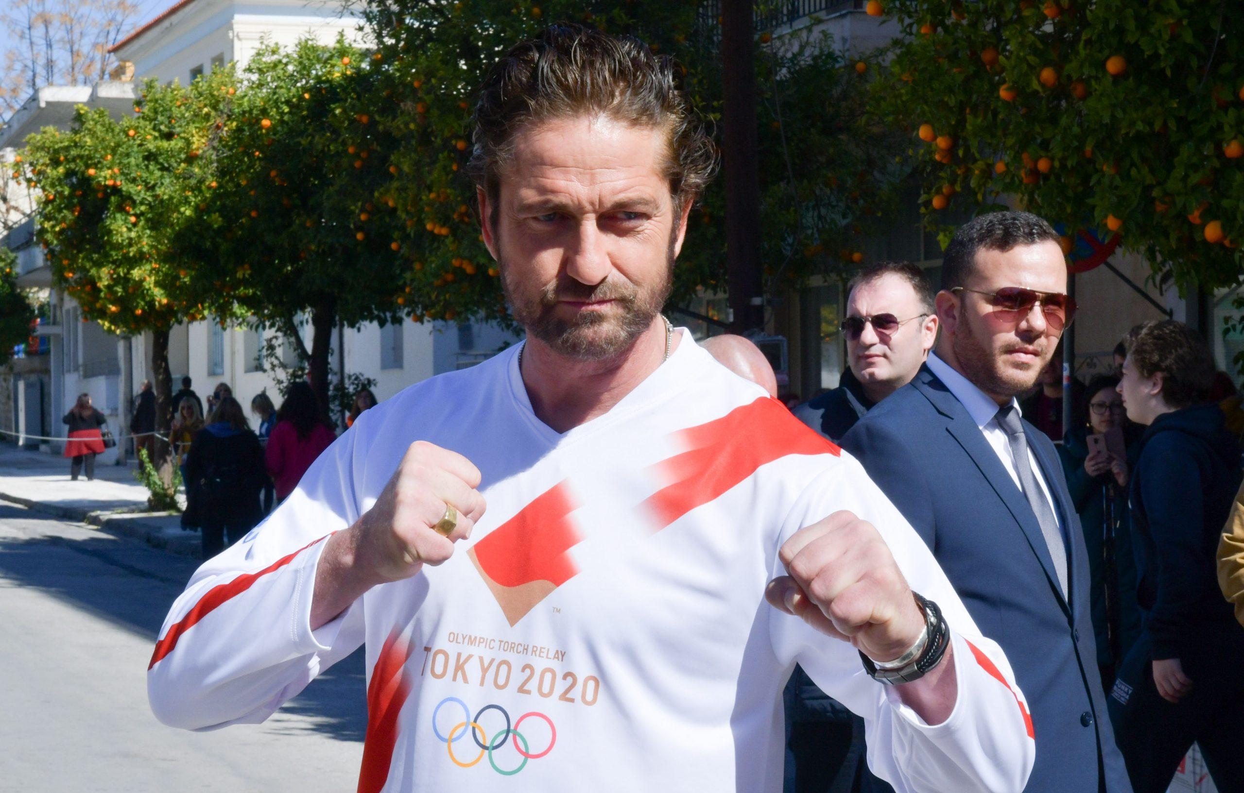"""Δες τον """"Λεωνίδα"""" Gerard Butler στη Σπάρτη, στην Ολυμπιακή Λαμπαδηδρομία"""