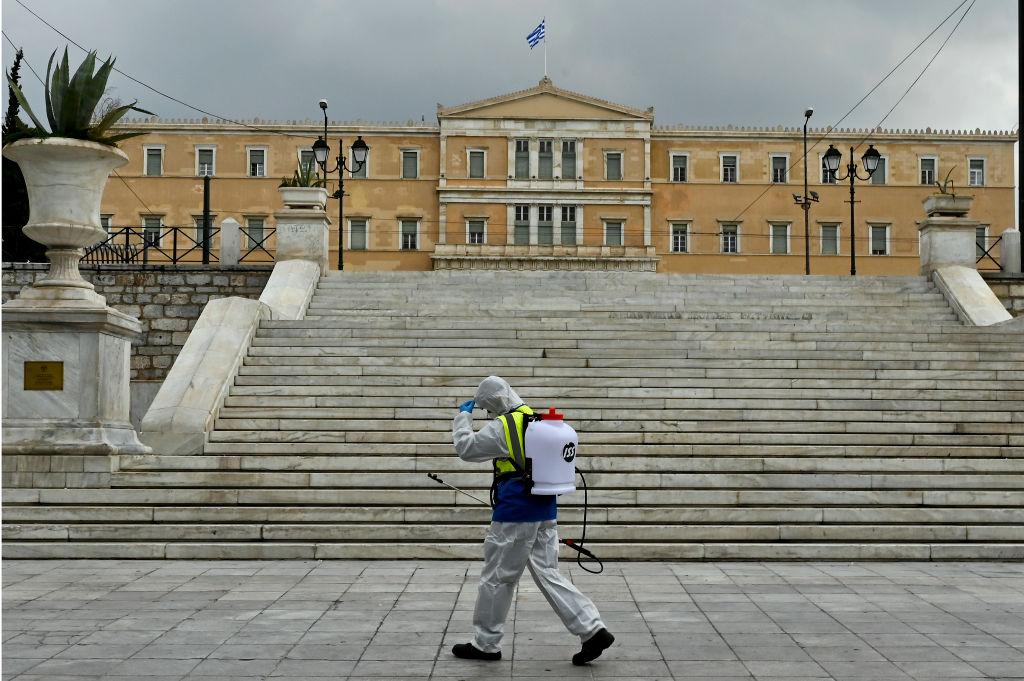 Ιστορίες ανθρωπιάς στην Ελλάδα του κορονοϊού