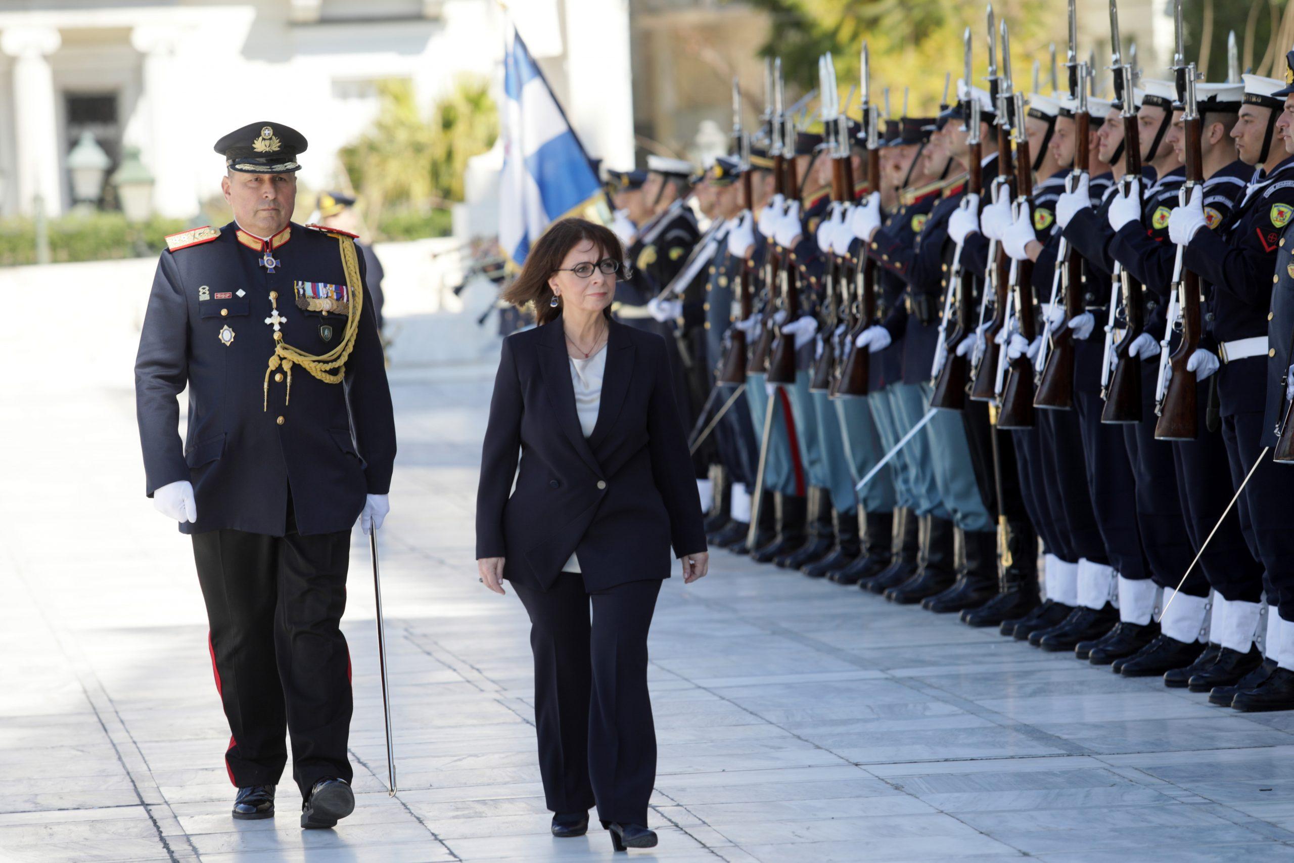 Κατερίνα Σακελλαροπούλου: Η Πρόεδρος της διπλανής πόρτας