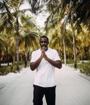 Ο Idris Elba είναι καλά και μας στέλνει τα νέα του