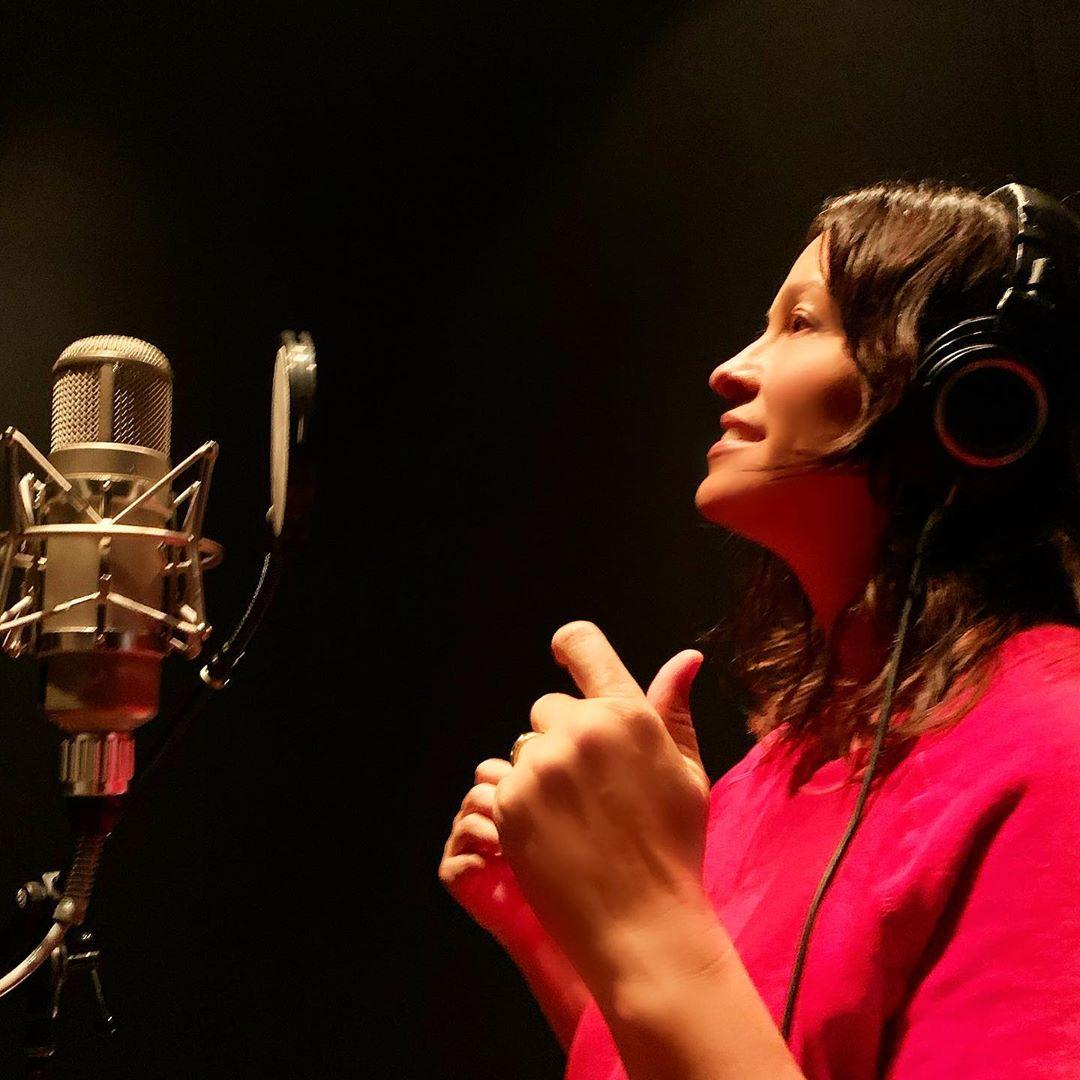 Η σεξουαλική παρενόχληση υπάρχει παντού στη μουσική βιομηχανία, λέει η Alanis Morissette