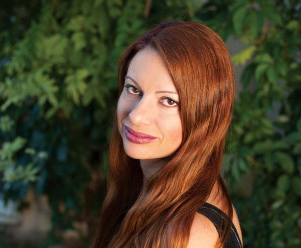 14 Έλληνες συγγραφείς γράφουν για την πανδημία: Ροζίτα Σπινάσα