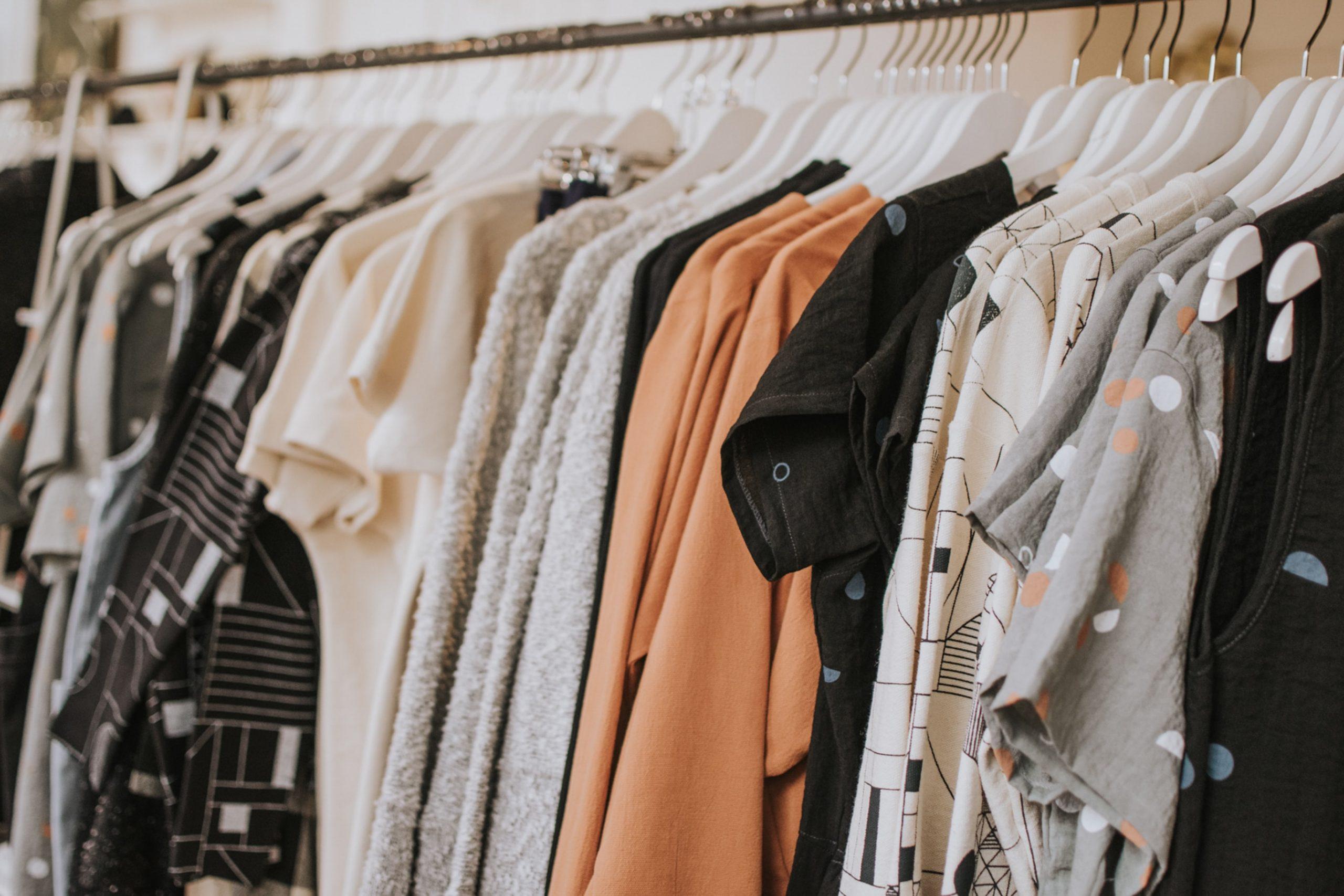 Πώς να πλύνεις σωστά τα ρούχα σου ώστε να προστατευτείς από τον κορονοϊό