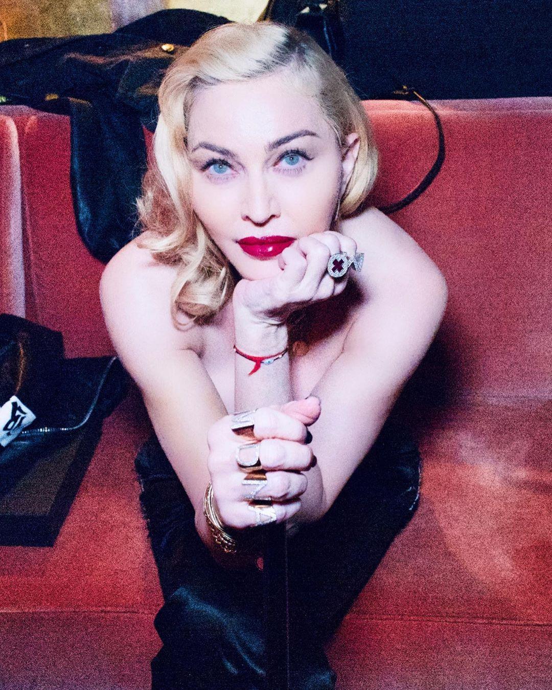 Η Madonna ανακάλυψε ότι έχει αντισώματα στον κορονοϊό και ετοιμάζεται να αρχίσει τις βόλτες