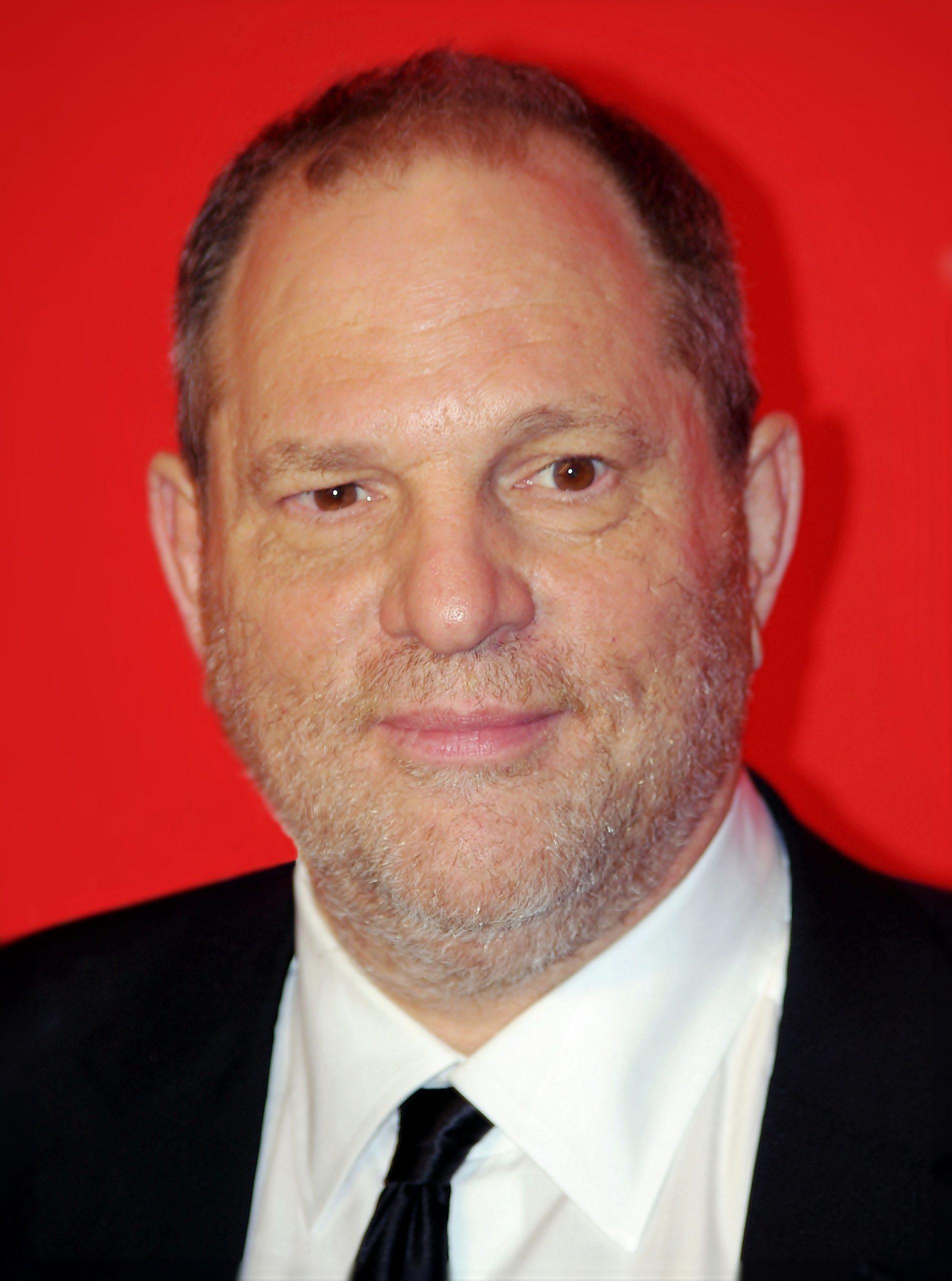 Άλλες τέσσερις γυναίκες κατηγορούν τον Weinstein για βιασμό. Το #metoo συνεχίζεται