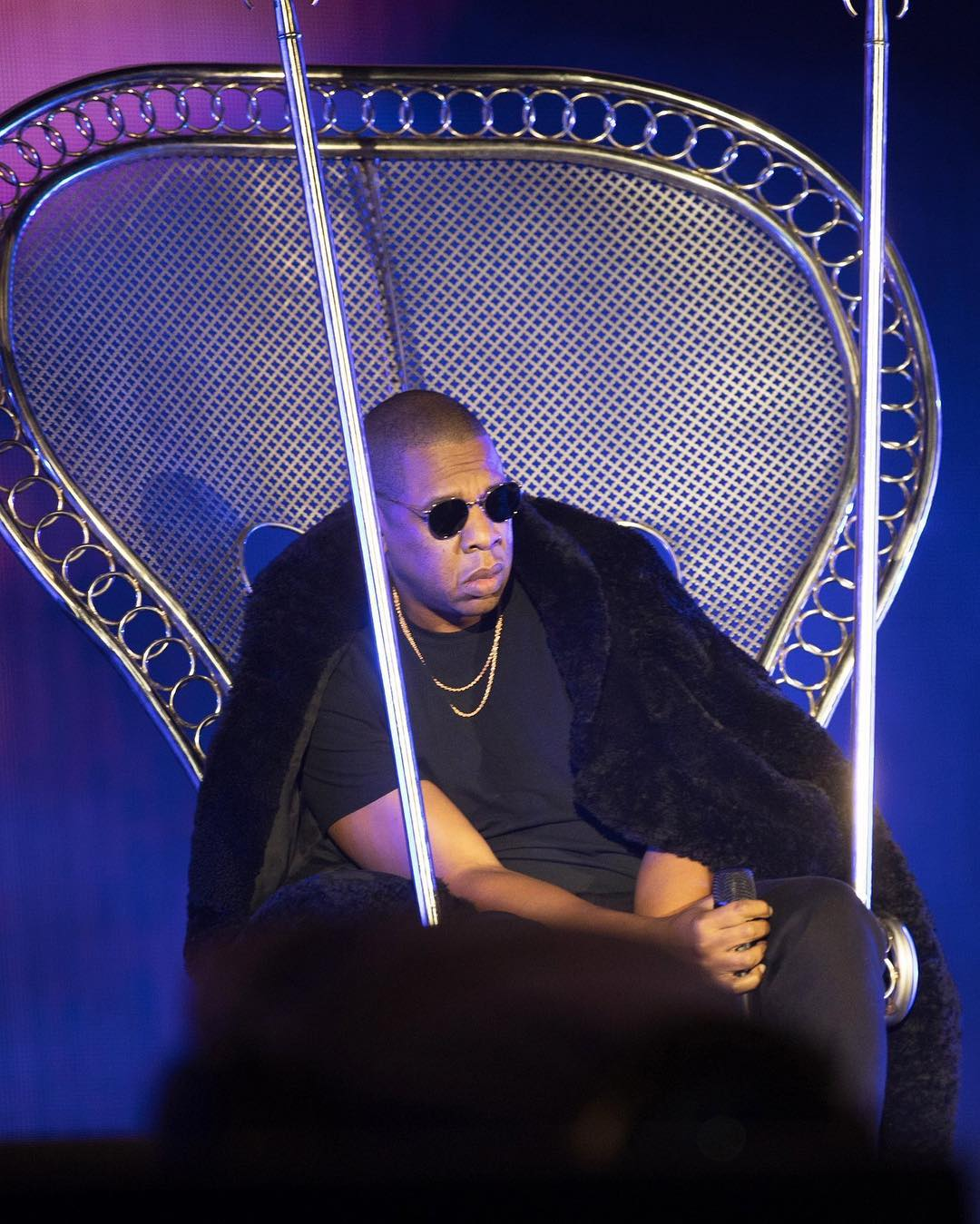 Ο Jay-Z πλήρωσε μια περιουσία σε ολοσέλιδες διαφημίσεις στη μνήμη του George Floyd