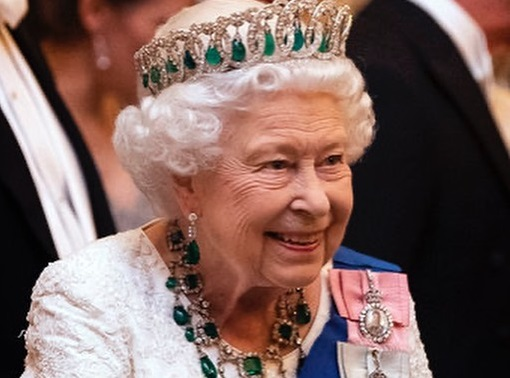 Τα μοναχικά γενέθλια της πιο ποπ βασίλισσας του κόσμου – Η Ελισάβετ έγινε 94, αλλά…