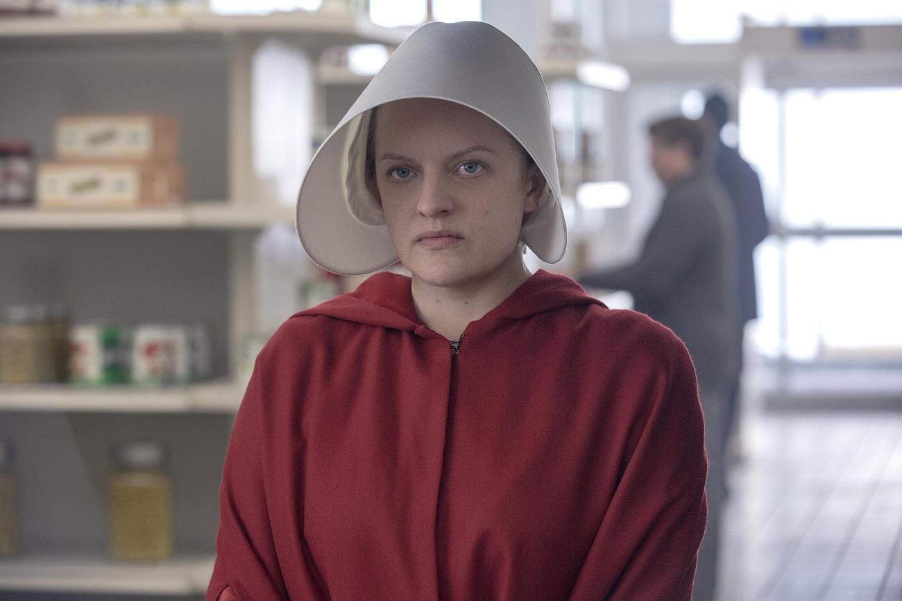 The Handmaid's Tale 4: Όσα πρέπει να γνωρίζουμε γι' αυτή την 4η σεζόν που -επιτέλους!- εγκρίθηκε