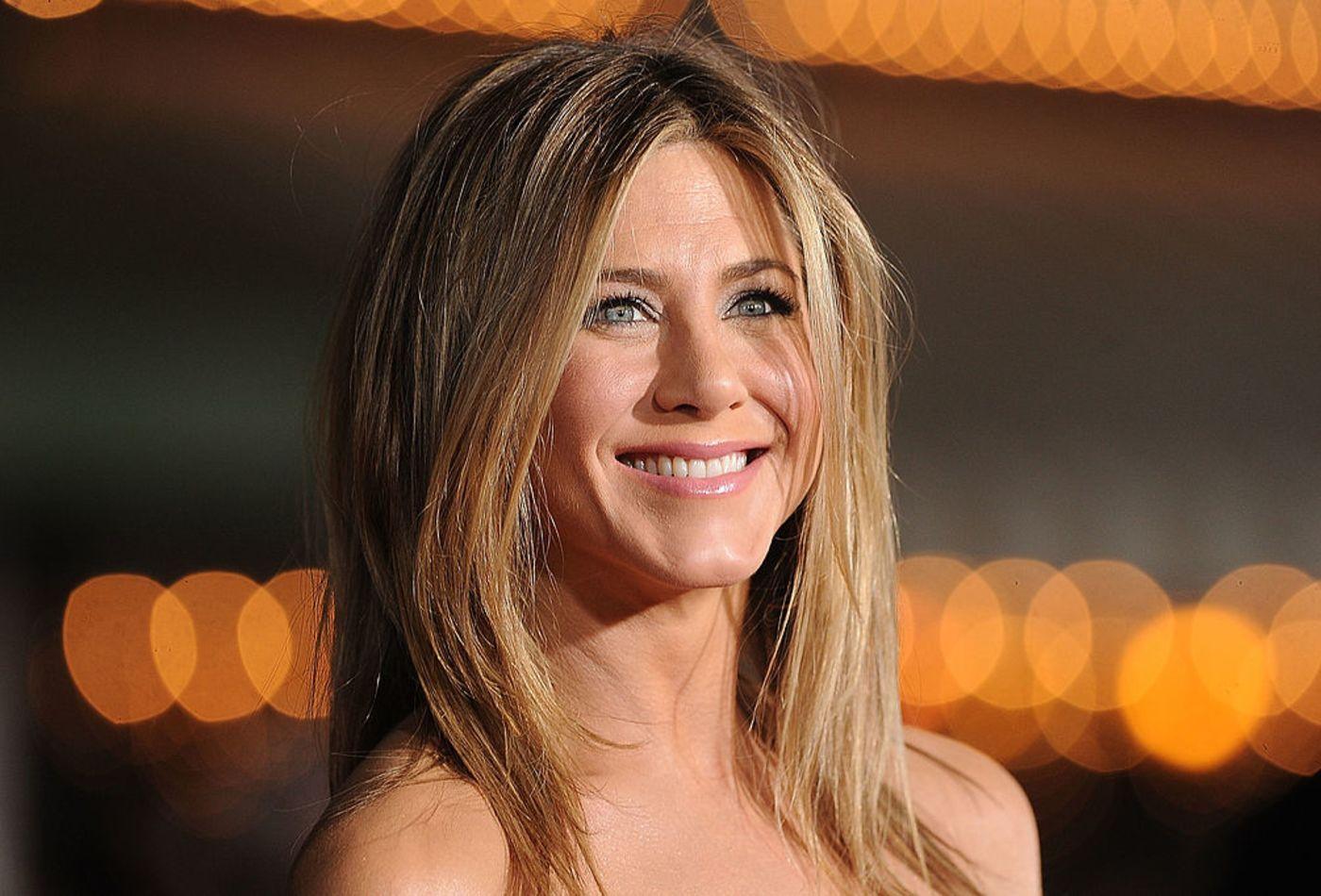 Η Jennifer Aniston, το γυμνό της πορτρέτο και η δημοπρασία του για καλό σκοπό
