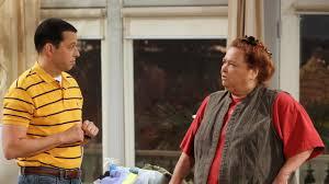 "Two and a Half Men: Η ""Berta"" έπαθε ανακοπή και δίνει μάχη για τη ζωή της"