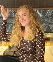 H Adele δεν είναι -πια- αυτή που ήξερες (και δεν αναφερόμαστε μόνο στην εξωτερική της εμφάνιση)