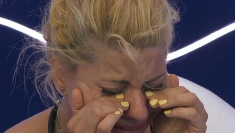 Big Brother: Τα αναφιλητά της Άννας – Μαρίας για την απόρριψη από τους συμπαίκτες της